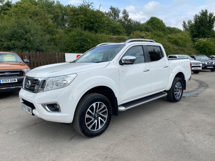 Nissan Navara Double Cab Pick Up Tekna 2.3dCi 190 4WD Pick Up Diesel White