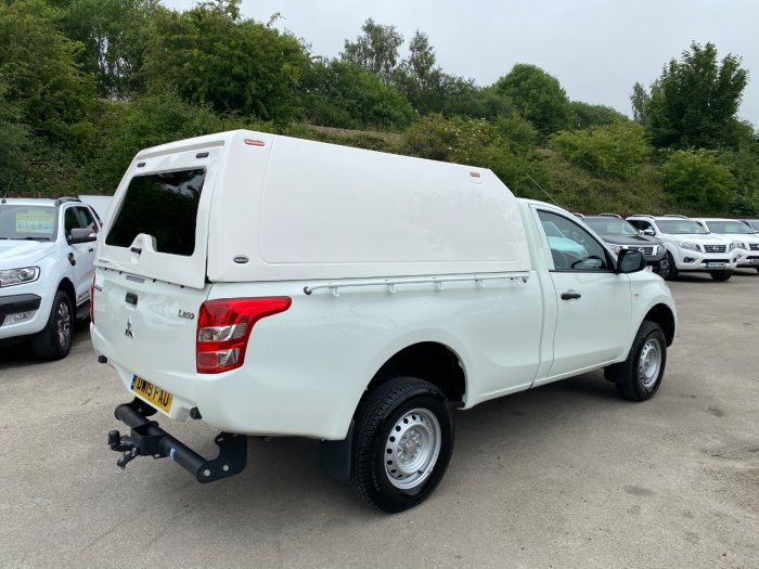 Mitsubishi L200 2.4 Single Cab DI-D 151 4Life 4WD Pick Up Diesel White