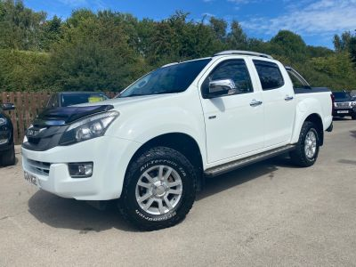 Isuzu D-max 2.5TD Eiger Double Cab 4x4 Pick Up Diesel WhiteIsuzu D-max 2.5TD Eiger Double Cab 4x4 Pick Up Diesel White at Mark Duesbury Cars Chesterfield
