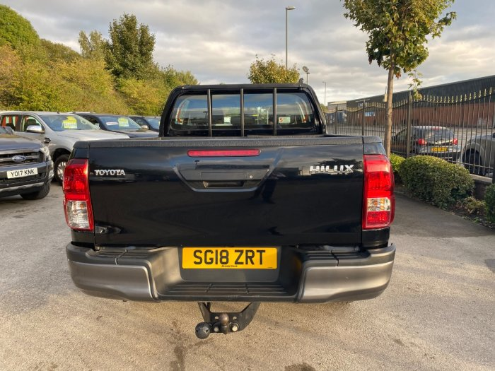 Toyota Hilux Active D/Cab Pick Up 2.4 D-4D Pick Up Diesel Black