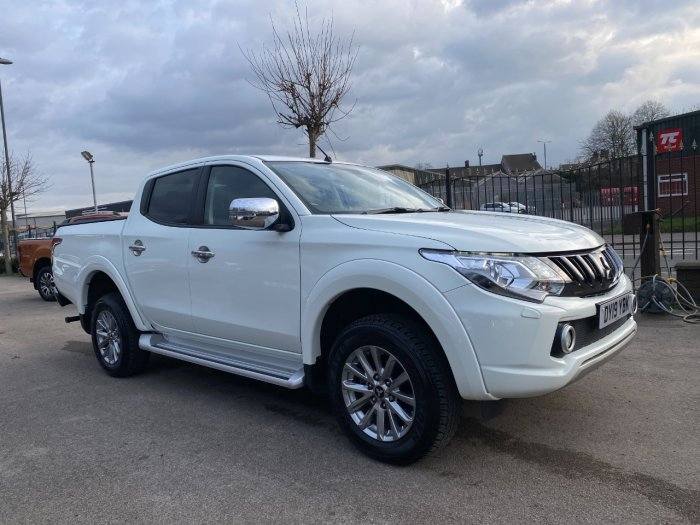 Mitsubishi L200 2.4 Double Cab DI-D 178 Barbarian 4WD Auto Pick Up Diesel White