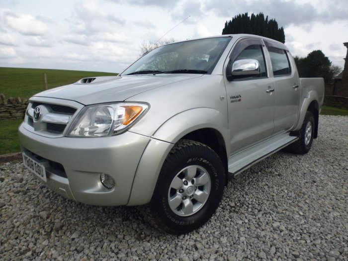 used toyota hilux hl3 double cab pick up 3 0 d 4d 4wd for sale in chesterfield derbyshire. Black Bedroom Furniture Sets. Home Design Ideas