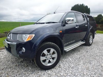 Mitsubishi L200 2.5 Double Cab DI-D Warrior II 4WD 134Bhp Four Wheel Drive Diesel BlueMitsubishi L200 2.5 Double Cab DI-D Warrior II 4WD 134Bhp Four Wheel Drive Diesel Blue at Mark Duesbury Cars Chesterfield