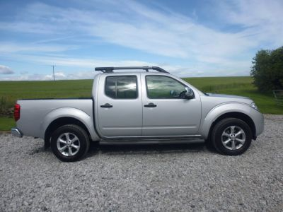 Nissan Navara Double Cab Pick Up Tekna 2.5dCi 190 4WD EURO 5 Pick Up Diesel SilverNissan Navara Double Cab Pick Up Tekna 2.5dCi 190 4WD EURO 5 Pick Up Diesel Silver at Mark Duesbury Cars Chesterfield