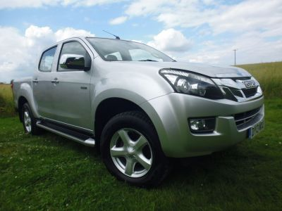 Isuzu D-max 2.5TD Yukon Double Cab 4x4 Four Wheel Drive Diesel SilverIsuzu D-max 2.5TD Yukon Double Cab 4x4 Four Wheel Drive Diesel Silver at Mark Duesbury Cars Chesterfield