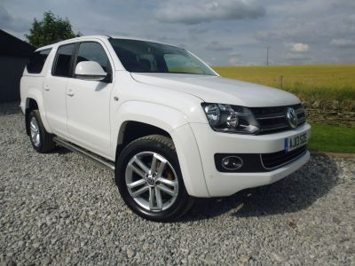 Volkswagen Amarok D/Cab Pick Up Highline 2.0 BiTDI 180 BMT 4MTN Auto Four Wheel Drive Diesel WhiteVolkswagen Amarok D/Cab Pick Up Highline 2.0 BiTDI 180 BMT 4MTN Auto Four Wheel Drive Diesel White at Mark Duesbury Cars Chesterfield
