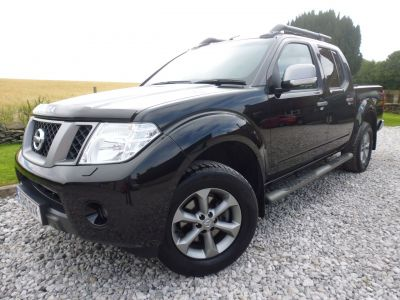 Nissan Navara 2.5 NAVARA PLATINUM DCI Four Wheel Drive Diesel BlackNissan Navara 2.5 NAVARA PLATINUM DCI Four Wheel Drive Diesel Black at Mark Duesbury Cars Chesterfield