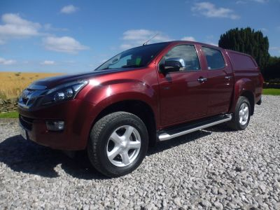 Isuzu D-max 2.5TD Yukon Double Cab 4x4 Four Wheel Drive Diesel RedIsuzu D-max 2.5TD Yukon Double Cab 4x4 Four Wheel Drive Diesel Red at Mark Duesbury Cars Chesterfield