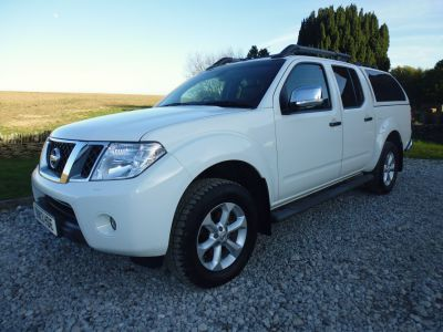 Nissan Navara Double Cab Pick Up Tekna Connect Premium 2.5dCi 190 4WD Four Wheel Drive Diesel WhiteNissan Navara Double Cab Pick Up Tekna Connect Premium 2.5dCi 190 4WD Four Wheel Drive Diesel White at Mark Duesbury Cars Chesterfield