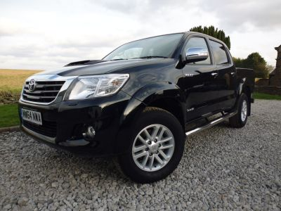 Toyota Hilux Invincible D/Cab Pick Up 3.0 D-4D 4WD 171 Auto Four Wheel Drive Diesel BlackToyota Hilux Invincible D/Cab Pick Up 3.0 D-4D 4WD 171 Auto Four Wheel Drive Diesel Black at Mark Duesbury Cars Chesterfield