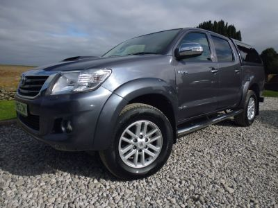 Toyota Hilux Invincible D/Cab Pick Up 3.0 D-4D 4WD 171 Four Wheel Drive Diesel GreyToyota Hilux Invincible D/Cab Pick Up 3.0 D-4D 4WD 171 Four Wheel Drive Diesel Grey at Mark Duesbury Cars Chesterfield