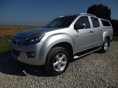 Isuzu D-max 2.5TD Utah Double Cab 4x4 Four Wheel Drive Diesel SilverIsuzu D-max 2.5TD Utah Double Cab 4x4 Four Wheel Drive Diesel Silver at Mark Duesbury Cars Chesterfield