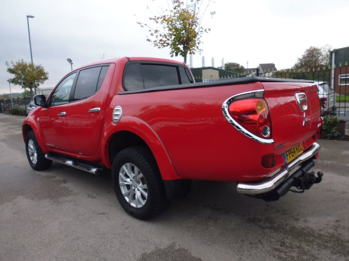 Mitsubishi L200 2.5 Double Cab DI-D Barbarian 4WD 176Bhp Four Wheel Drive Diesel Red