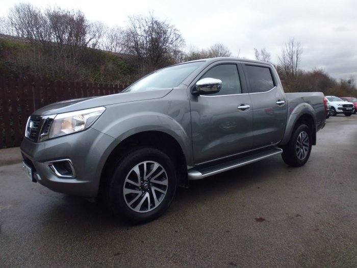 Nissan Navara Double Cab Pick Up N-Connecta 2.3dCi 190 4WD Four Wheel Drive Diesel Grey