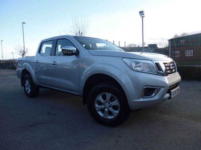 Nissan Navara Double Cab Pick Up Acenta 2.3dCi 160 4WD Four Wheel Drive Diesel Silver