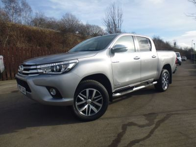 Toyota Hilux Invincible D/Cab Pick Up 2.4 D-4D Auto Four Wheel Drive Diesel SilverToyota Hilux Invincible D/Cab Pick Up 2.4 D-4D Auto Four Wheel Drive Diesel Silver at Mark Duesbury Cars Chesterfield