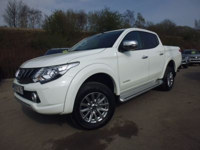 Mitsubishi L200 2.4 Double Cab DI-D 178 Warrior 4WD Four Wheel Drive Diesel WhiteMitsubishi L200 2.4 Double Cab DI-D 178 Warrior 4WD Four Wheel Drive Diesel White at Mark Duesbury Cars Chesterfield