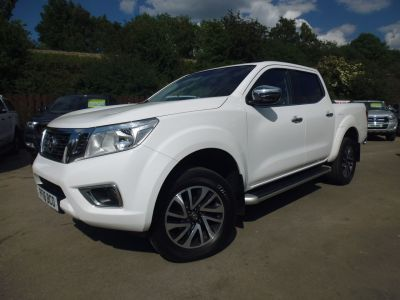 Nissan Navara Double Cab Pick Up Acenta+ 2.3dCi 190 4WD Pick Up Diesel WhiteNissan Navara Double Cab Pick Up Acenta+ 2.3dCi 190 4WD Pick Up Diesel White at Mark Duesbury Cars Chesterfield