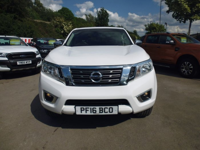Nissan Navara Double Cab Pick Up Acenta+ 2.3dCi 190 4WD Pick Up Diesel White