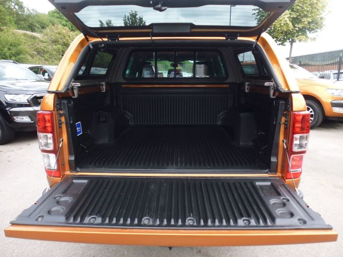 Ford Ranger Pick Up Double Cab Wildtrak 3.2 TDCi 200 Pick Up Diesel Orange