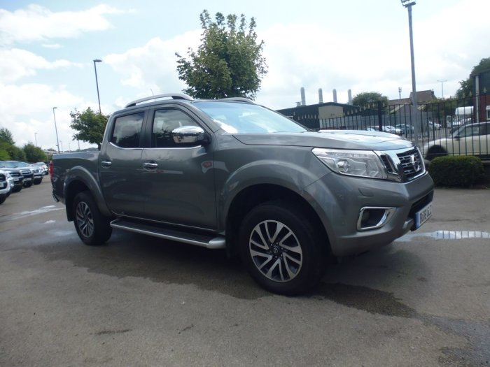 Nissan Navara Double Cab Pick Up Tekna 2.3dCi 190 4WD Auto Pick Up Diesel Grey