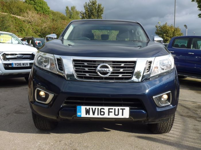 Nissan Navara Double Cab Pick Up Acenta 2.3dCi 160 4WD Pick Up Diesel Blue