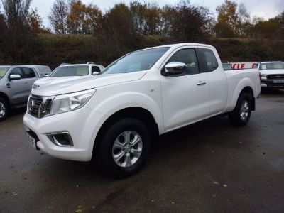 Nissan Navara King Cab Pick Up Acenta 2.3dCi 160 4WD Pick Up Diesel WhiteNissan Navara King Cab Pick Up Acenta 2.3dCi 160 4WD Pick Up Diesel White at Mark Duesbury Cars Chesterfield